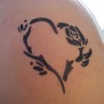 Airbrush Tattoo auf dem Oberarm