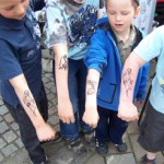 Alle Kinder mit Airbrush Tattoos aus Berlin