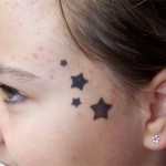 Airbrush Sterne Tattoo am Kopf