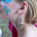 Kinder Airbrush Tattoo am Hals
