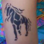 Pferde Tattoo im Kindergarten