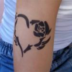 Rosenherz Tattoo im Kindergarten