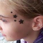 Sterne an der Schlaefe als Airbrush