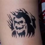 Totenkopf als Airbrush Tattoo
