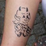 Teufel Airbrush Tattoo das lieblings Tattoo bei den kleinen Gästen