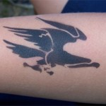 Kinder Adler Tattoo im Kindergarten