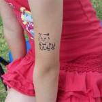 Kinder Airbrush Tattoo am Arm