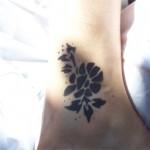 Airbrush Blumen Tattoo fuer Kinder und Erwachsene