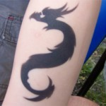 Drachen als Arm Airbrush Tattoo