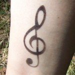 Airbrush Schlüsselnoten Tattoo