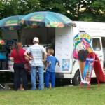Lecker Eis beim Parkfest in Zabeltitz