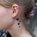 Schick oder? Sterne am Hals als Airbrush Tattoo